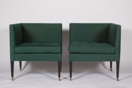 Irish Sofa green slightly apart (1)